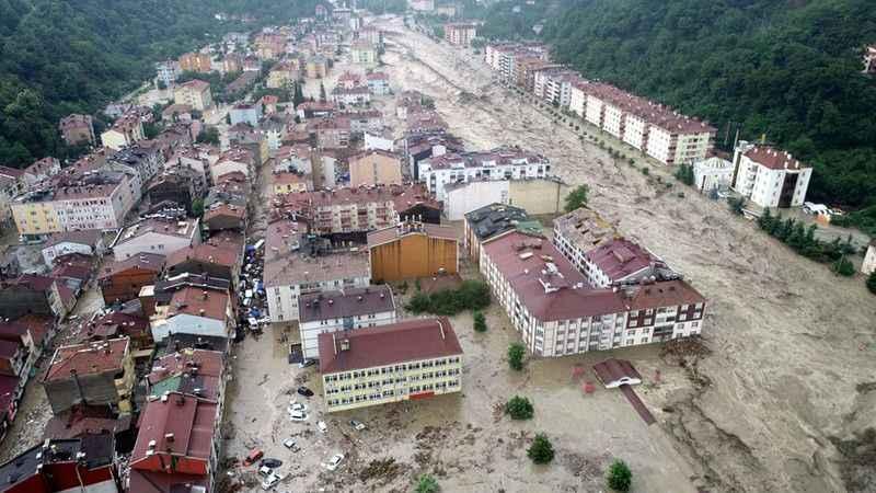Sel felaketinde ölenlerin sayısı 27'ye yükseldi