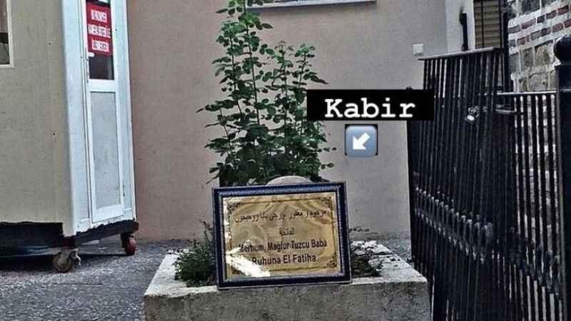 Bursa'da tepki çeken olay! Kabrin yanındaki tuvalet tepki çekti
