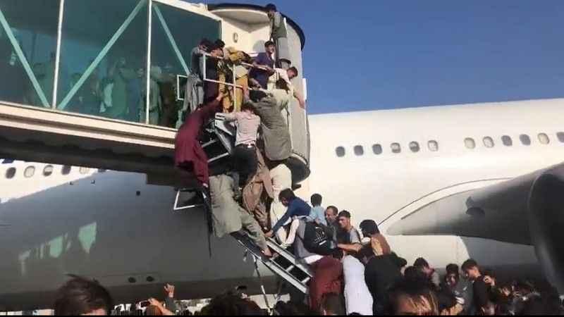 Kabil Havalimanı'nda izdiham: 17 yaralı