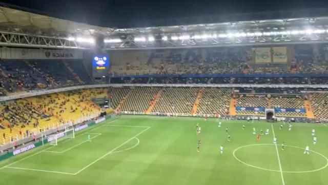 Fenerbahçe taraftarından Helsinki maçında çarpıcı protesto