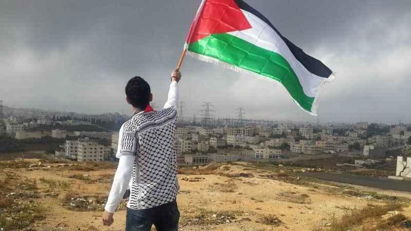 Katil İsrail, Filistinlilere ateş açtı!