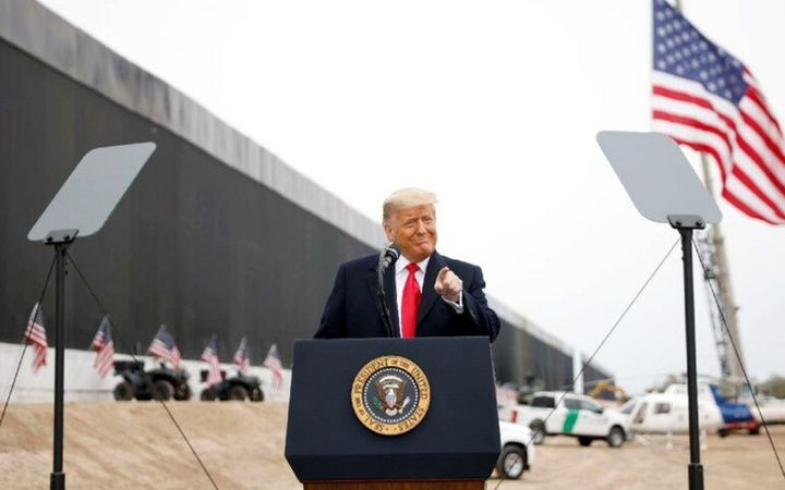 Trump'ın geçilmez dediği duvarlarını Muson yağmurları yıktı geçti