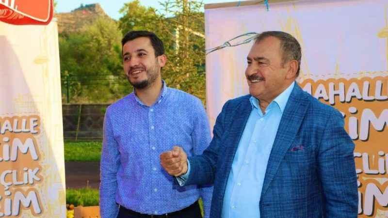 """AKP'li vekilden, gençlere öneri: """"Liyakata önem vereceksiniz..."""""""