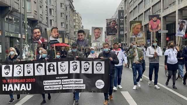 Almanya'da ırkçılığa büyük tepki! Sokaklara döküldüler...