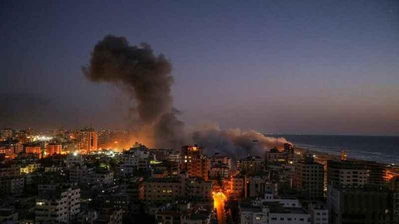 Siyonist çete Gazze'yi savaş uçaklarıyla vurdu!