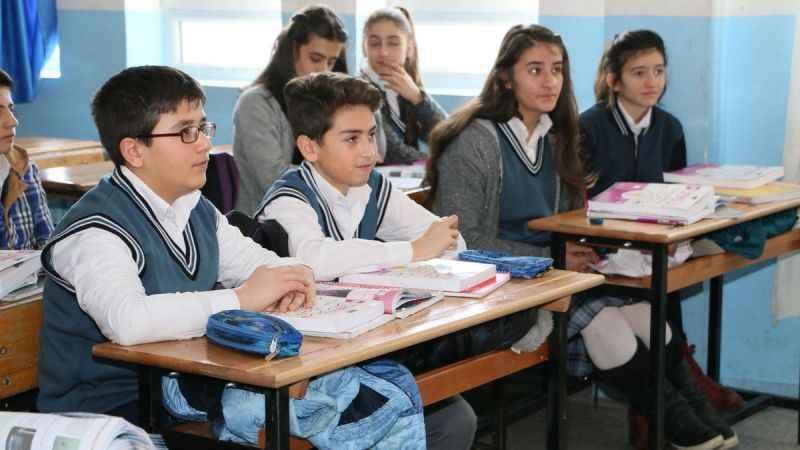 Son Dakika: MEB'ten öğrencilere 'mazeret izni'! Devamsız sayılmayacak
