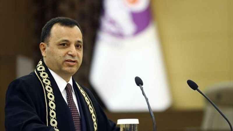 AYM Başkanı Zühtü Arslan'dan yerel mahkemelere tepki