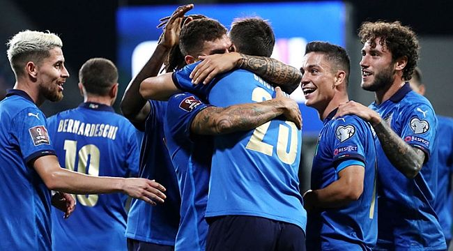 İtalya 5 gol atarak tarihi bir rekora imza attı!