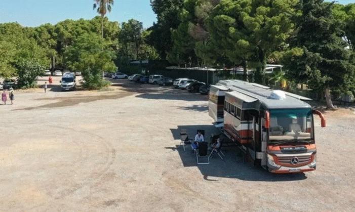 Otobüsten karavana...