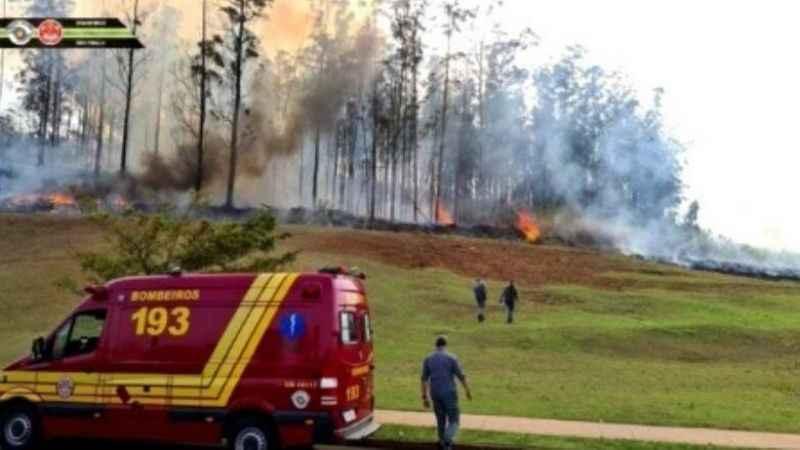 Brezilya'da uçak düştü: 7 ölü! İşte uçağın düşme anı...