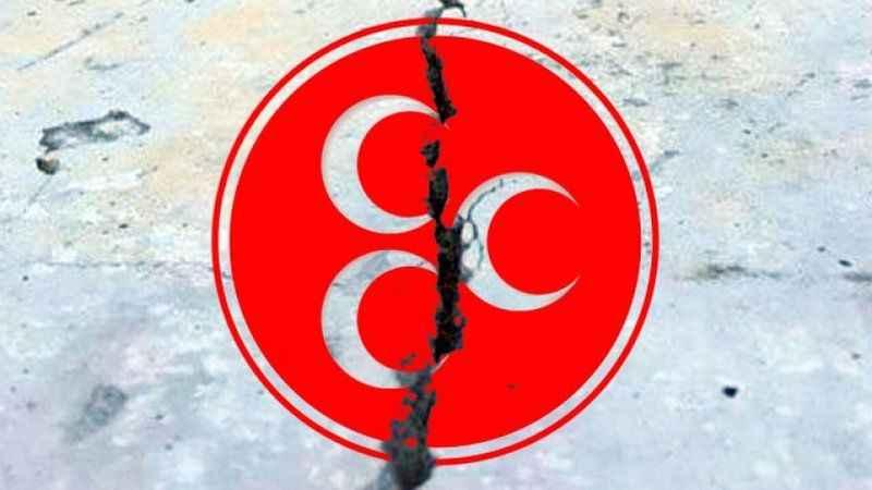 MHP'de istifa depremi! Peş peşe görevi bıraktılar