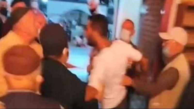 Bu da oldu! Camide imam ve cemaate sopalı saldırı
