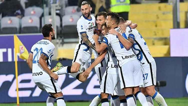 Inter, Fiorentina'yı deplasmanda 3-1 yendi.