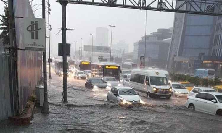 İstanbul hava durumu: Kış geliyor! Meteoroloji sel uyarısı yaptı