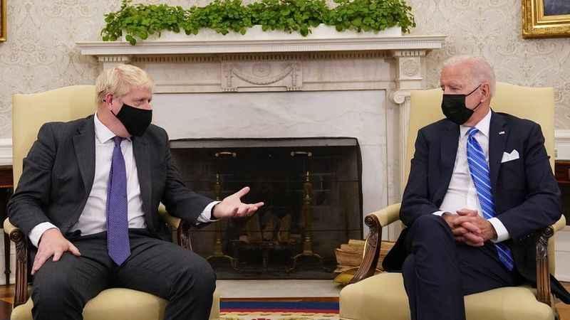 ABD Başkanı Biden  İngiltere Başbakanı Johnson ile görüştü