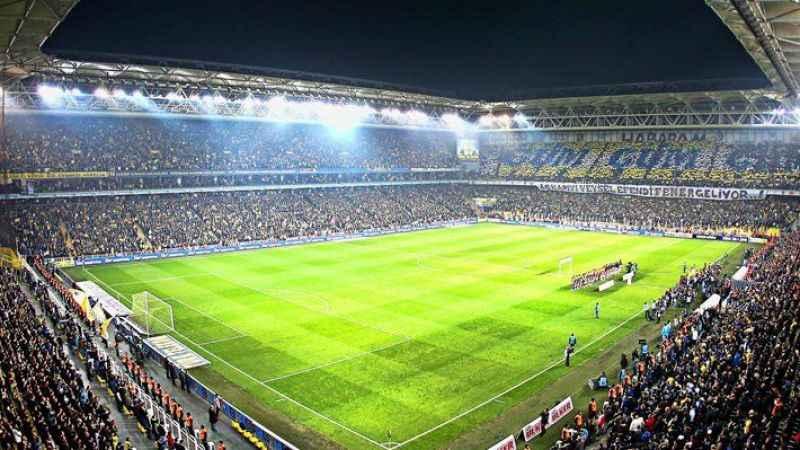 Fenerbahçe stadyumunda yangın paniği!