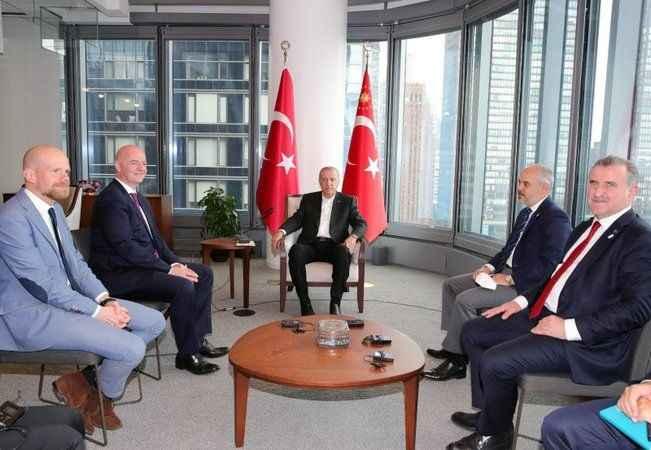 Cumhurbaşkanı Erdoğan, FIFA Başkanı ile görüştü