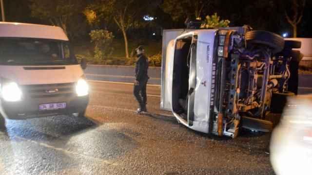 İstanbul'da hafriyat kamyonu ile halk otobüsü çarpıştı