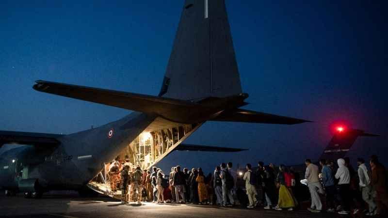 Ukrayna Afganistan'dan 96 kişiyi daha tahliye etti