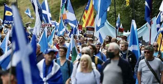 Birleşik Krallık'tan ayrılmak için İskoçlardan bağımsızlık yürüyüşü!