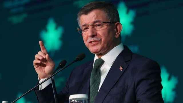 Davutoğlu'ndan flaş açıklama: Erdoğan'ın toplantısında tartışma çıktı!