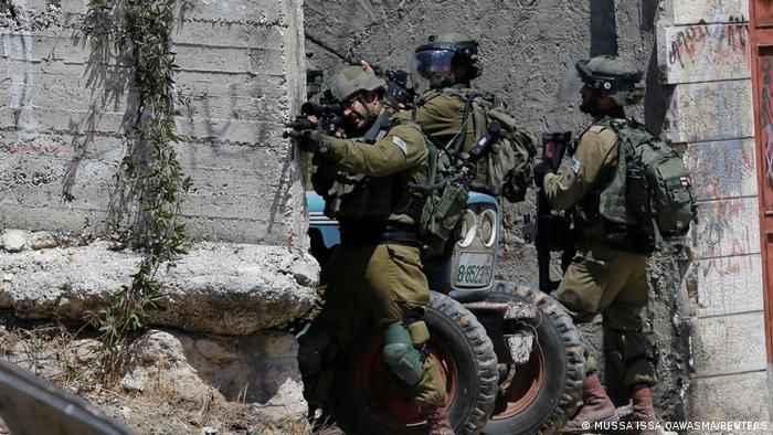 İsrail'den hain saldırı! Filistinli çocuğu gerçek mermiyle vurdular