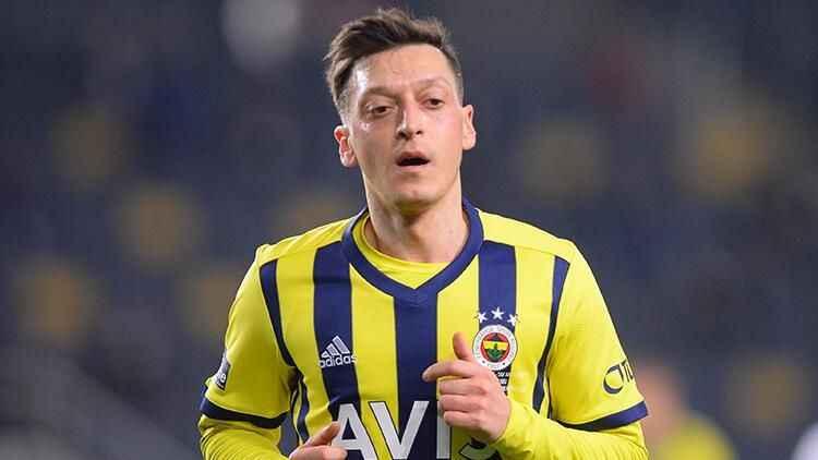 Fenerbahçe'de Mesut Özil belirsizliği: Henüz netlik kazanmadı