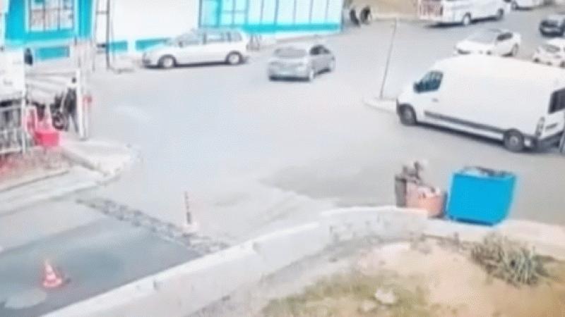 Sürücü, fren yerine gaza bastı! Ortalık savaş alanına döndü