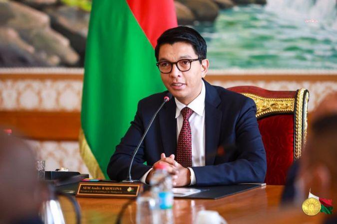 MADAGASKAR DEVLET BAŞKANI RAJOELİNA'YA SUİKAST GİRİŞİMİ ÖNLENDİ