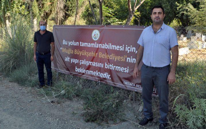 """CHP ORTACA İLÇE BAŞKANI TEZCAN: """"ORTACA BELEDİYESİ'NİN PANKARTI ART NİYETLİ"""""""