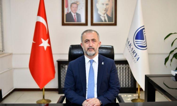 SAÜ Rektörü Fatih Savaşan: öğrencileri Sakarya Üniversitesine davet etti.