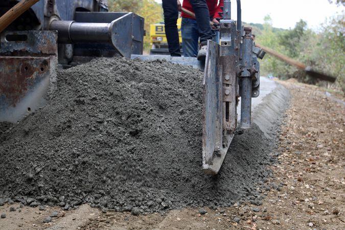 Kırsal mahalleler beton yol ile buluşuyor