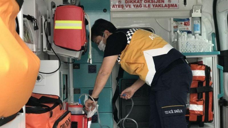 Kadın ambulans şoförü erkek meslektaşlarına parmak ısırtıyor