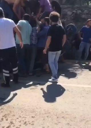 Ayakları traktöre sıkışan 2 çocuğun yardımına itfaiye yetişti
