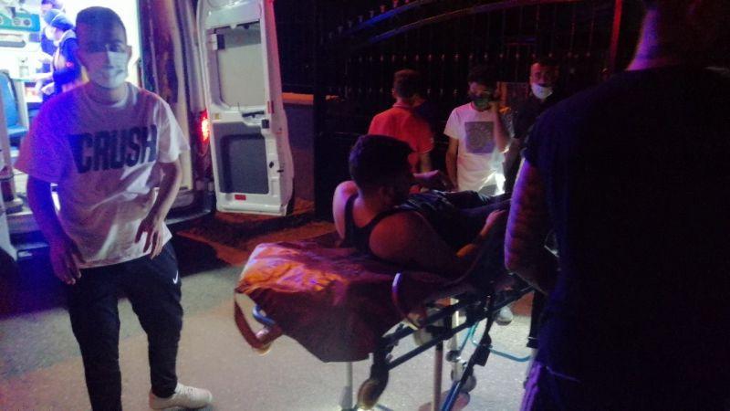 Duvardan atlayarak girdiği okul bahçesinde yaralanınca ekipleri alarma geçirdi