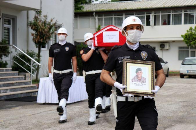 Kalbine yenik düşen Özel Harekat Polisine tören
