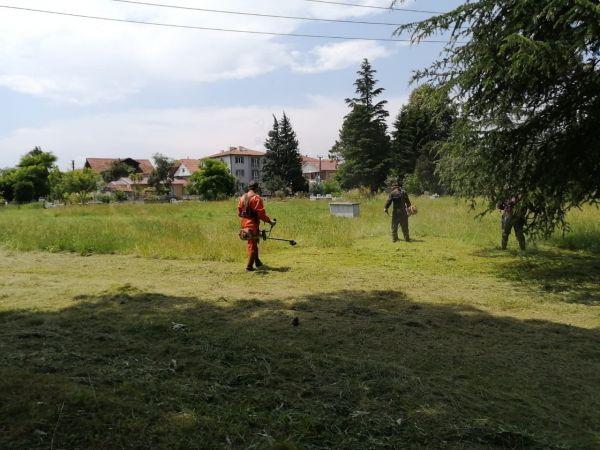 80 kişilik ekip kenti temizliyor