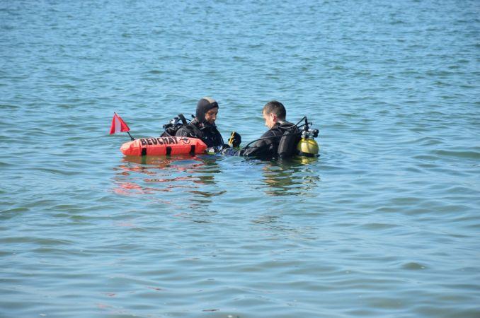 Boğulma şakası dalgıç polislerini de harekete geçirdi