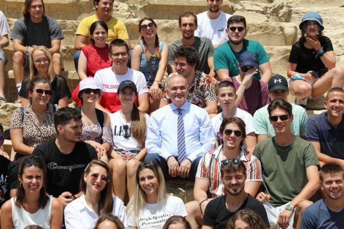 Antik kentin ziyaretçileri yabancı öğrenciler oldu