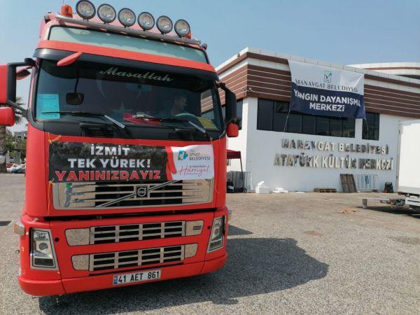İzmit Belediyesi'nin yardım tırı Manavgat'a ulaştı