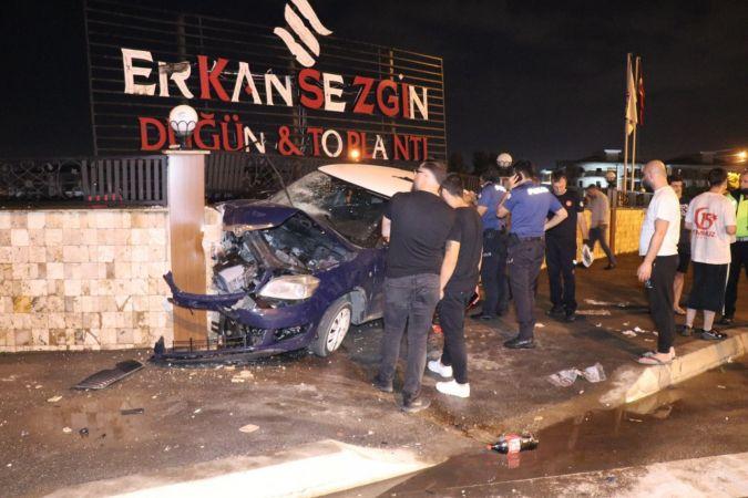 Duvara çarpan otomobilde yaralandı, 1 ay sonra hayatını kaybetti