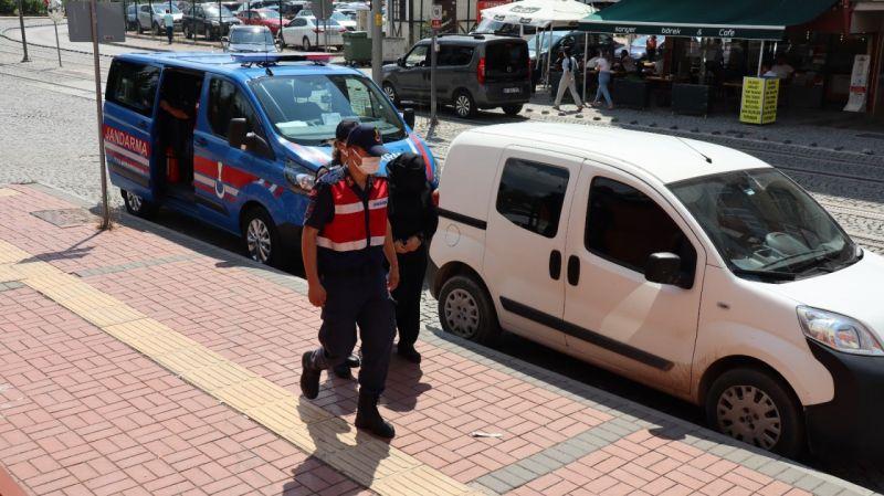 Saklandığı evde yakalanan PKK'lı terörist adliyeye sevk edildi
