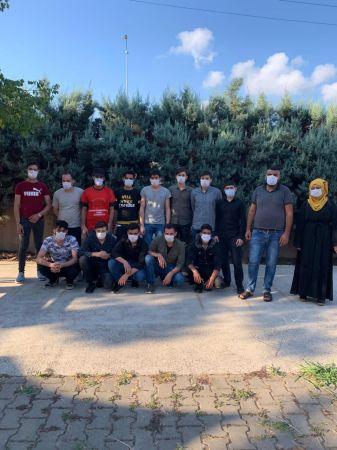 TEM Otoyolu'nda 15 göçmen yakalandı sürücü gözaltına alındı