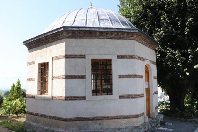 Konur Alp Gazi türbesinin restorasyonu sürüyor