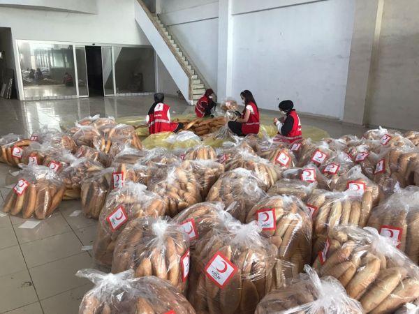 Selzedelere 10 bin ekmek gönderildi