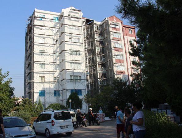 8. kattaki iskeleden düşen işçi yaralandı