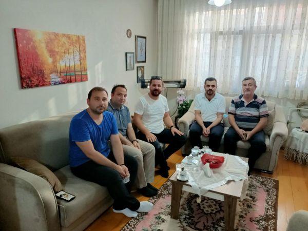 Deva Partisi Adapazarı İlçe Yönetiminden Şehit Aileleri Ziyareti