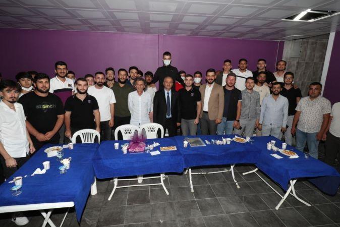 Başkan Büyükgöz, Gebzesporlu gençlerle buluştu