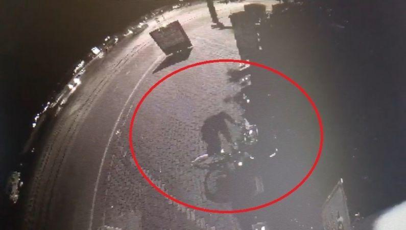 Bisiklet hırsızı kameraya yakalandı