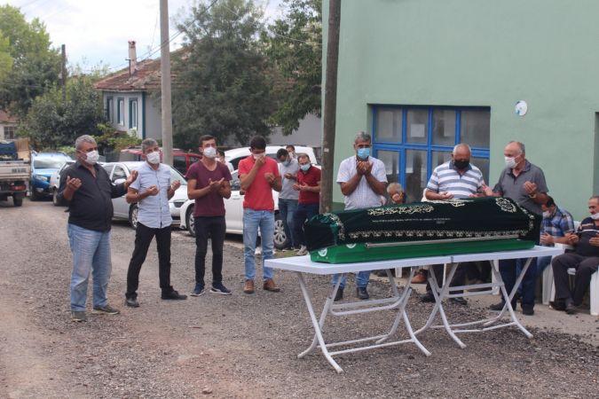 Tren kazasında hayatını kaybeden şahıs Sakarya'da son yolculuğuna uğurlandı
